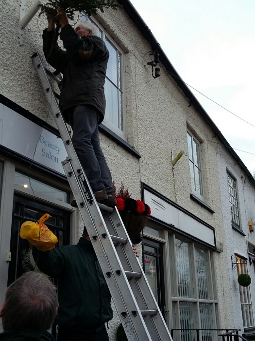 Tarvin High St decorations come down (2)